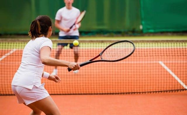 Máy Bắn Banh Tennis