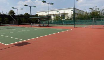 Thi cong san Tennis Ho Xuan Huong