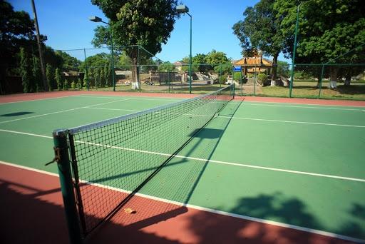 Kinh phí làm 1 sân tennis